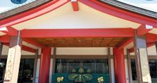 本堂前(御参り)